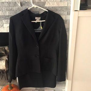 Ann Taylor Loft Woman's Suit size 6